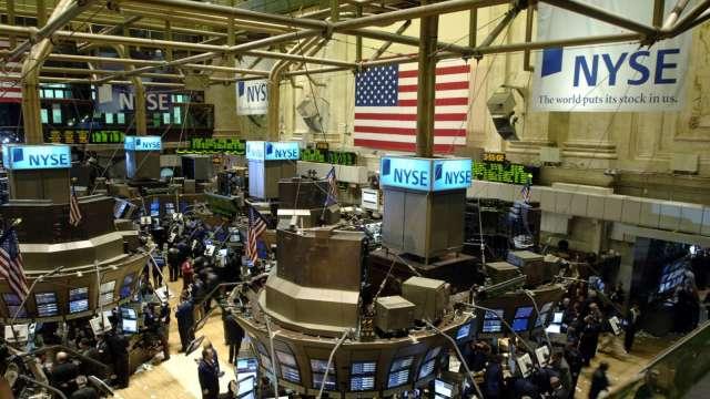〈美股早盤〉等待大選結果出爐之際 科技股領軍衝高 那指早盤飆2.7% (圖:AFP)