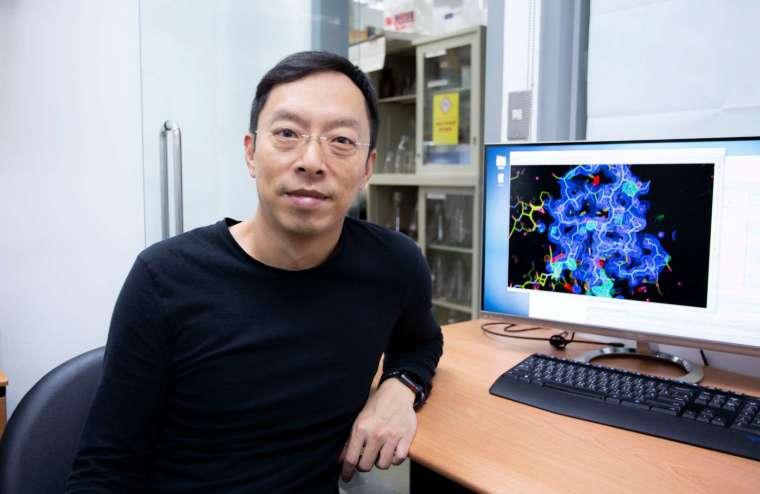 馬徹,中研院基因體研究中心研究員暨化學生物學組執行長,為翁啟惠院士領導研究團隊重要成員,致力於開發廣效性流感疫苗。 圖│研之有物