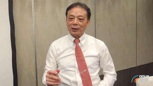 晶技董事長林萬興。(鉅亨網記者張欽發攝)