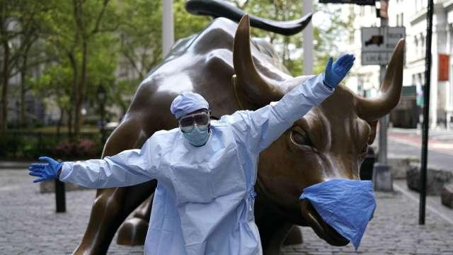 強勁年終反彈要來了?分析師:轉投價值股、晶片股(圖片:AFP)