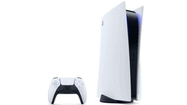 睽違七年,索尼 (Sony) 推出次世代遊戲機 PS5,今 (12) 日首波開賣。(圖:AFP)