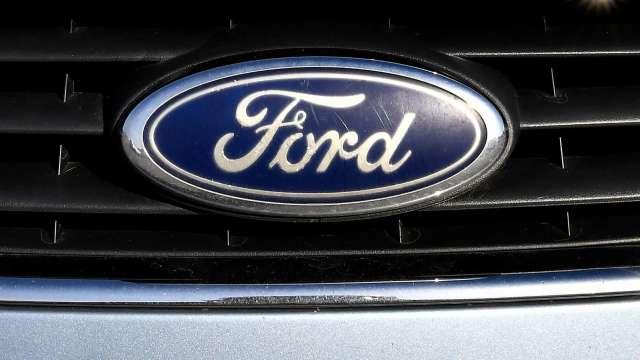 福特目標價獲調升 但維持評級 瑞銀:明年業績恐拼不過通用、特斯拉(圖片:AFP)