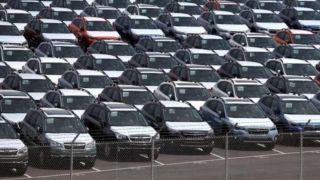 日本10月出口年減0.2% 對美出口連2個月增加、汽車貢獻大 (圖片:AFP)