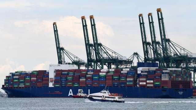消費品補貨需求激增 全球貨櫃運費創新高(圖片:AFP)