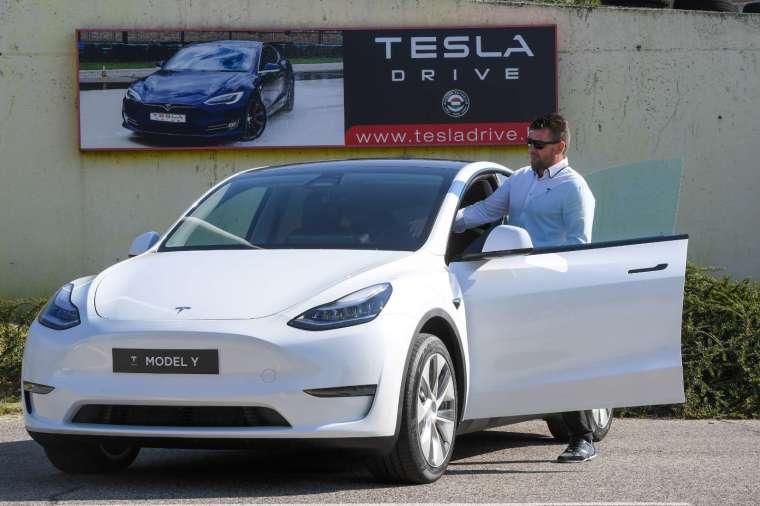 美權威雜誌不再推薦 Model S/Y/X (圖片:AFP)