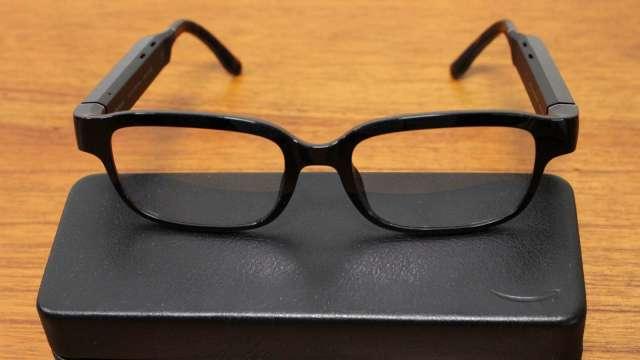 亞馬遜第二代智慧眼鏡Echo Frames,必須受邀請的用戶才能購買(圖片:AFP)