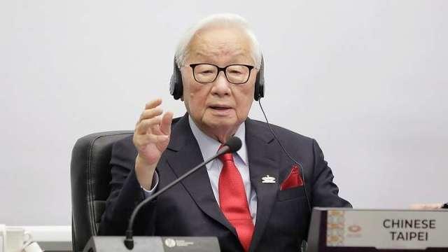 我國領袖代表、台積電(2330-TW)創辦人張忠謀在亞太經合會(APEC)經濟領袖峰會發表演說。(圖:取材自總統府官網)