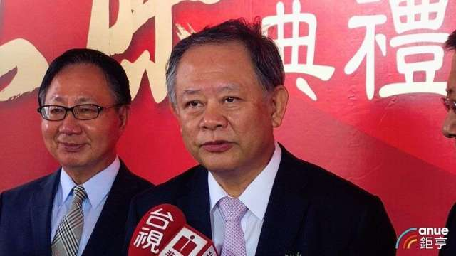 華南金董事長張雲鵬(右)。(鉅亨網記者郭幸宜攝)