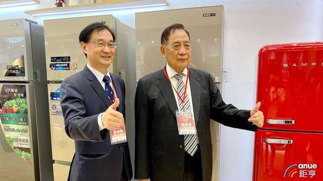 圖左為聲寶總經理許經朝,右為集團總裁陳盛沺。(鉅亨網記者沈筱禎攝)