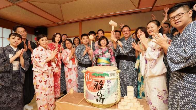 日勝生加賀屋日式獨有酒樽開鏡儀式。(圖:日勝生加賀屋提供)