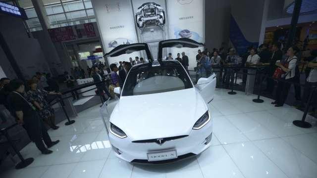 特斯拉又出包了!召回9000多輛Model X/Y電動汽車 (圖片:AFP)