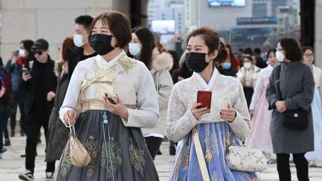 南韓爆第三波疫情 新增583人確診 多數集中首爾 (圖片:AFP)