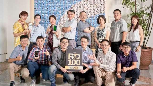 工研院開發出「慢性傷口智慧照護」裝置結合臺灣資通訊硬體設備以及AI人工智慧軟體技術兩大強項,拿下今年全球百大科技研發大獎。(圖:工業技術與資訊月刊)