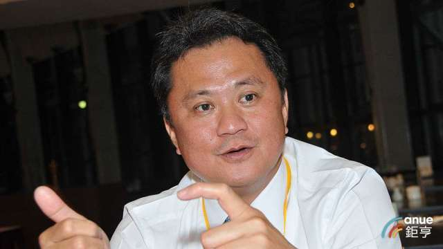 玉晶光董事長陳天慶。(鉅亨網記者張欽發攝)