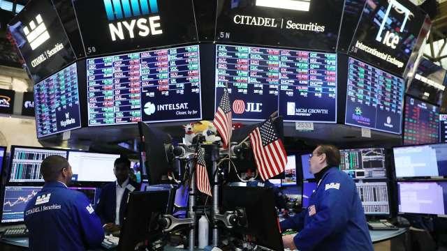 消費旺季激勵股市 能源股強勁反彈。(圖:AFP)