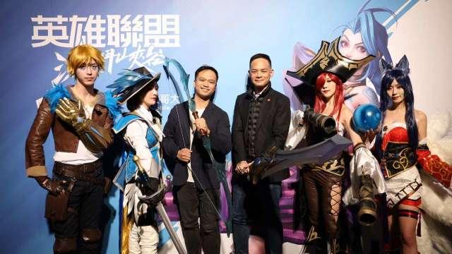 左為Riot Games東南亞總經理Justin Hulog、右為台灣大總經理林之晨。(圖台灣大提供)
