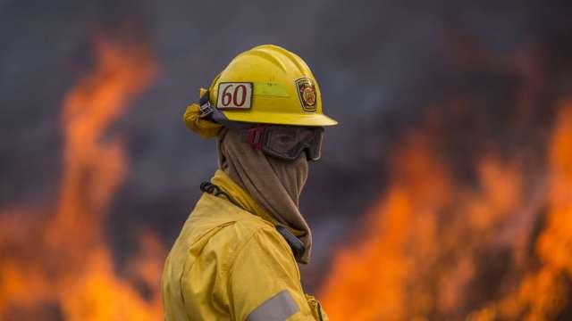 WMO:今年平均氣溫恐擠進高溫前三名 呼籲刪減化石燃料 (圖片:AFP)