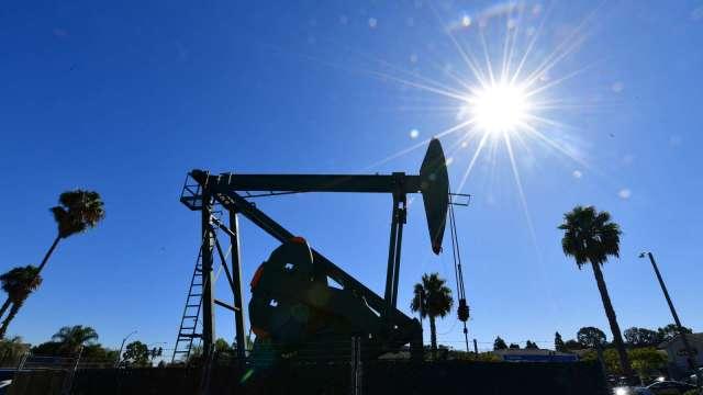 OPEC+1月起逐步增產 分析師:夢魘未成真市場鬆口氣 (圖:AFP)