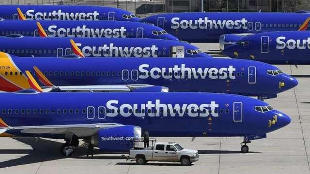 成立50年來首見 西南航空預告6800名員工放無薪假  (圖:AFP)