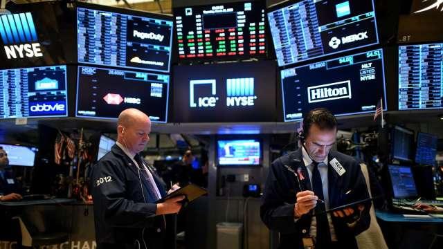 〈美股早盤〉非農報告提振財政刺激預期 道瓊早盤漲逾百點 (圖:AFP)