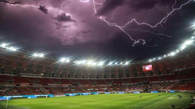 暴風雨前示意圖 (圖片:AFP)