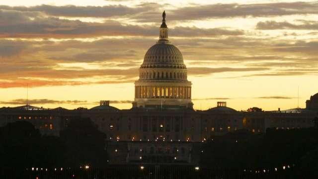 參議院共和黨領袖未認可 國會能否達成紓困協議面臨風險(圖:AFP)