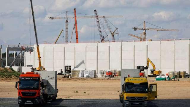 德國法院下令停止伐林整地 特斯拉歐洲廠建設計畫恐受阻 (圖:AFP)