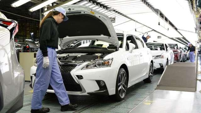 日本10月核心機械訂單月增17.1% 大幅優於市場預期 (圖片:AFP)