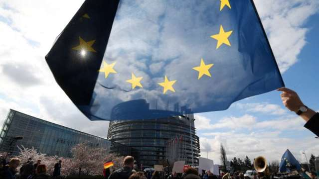 財政貨幣刺激齊發 歐洲央行加碼購債後 歐盟復甦基金過關 (圖:AFP)