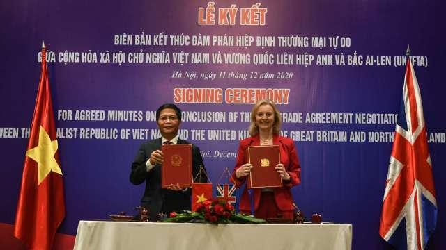 再下一城!英國與越南簽署自由貿易協定 (圖:AFP)