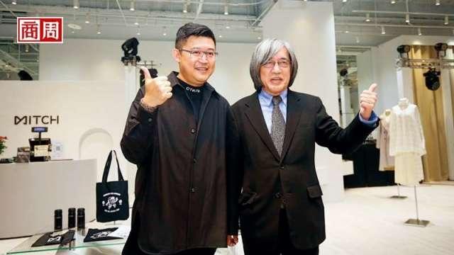 網家董事長詹宏志(右)和執行長蔡凱文(左)為覓去實體店開幕站台,開啟跨足垂直電商起點。(攝影者駱裕隆/商周提供)