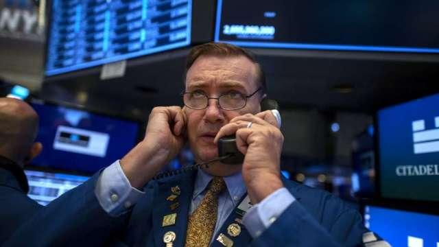 美股盤前下挫 財政刺激前景仍不確定(圖:AFP)