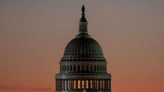 爭取更多時間!美國國會緊急通過延長撥款法案 (圖片:AFP)