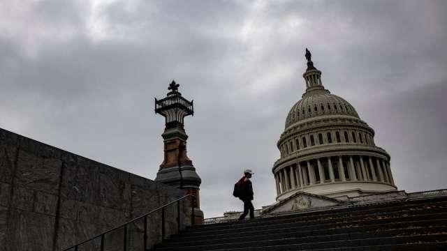 倒數計時!美國會新一輪刺激法案 目標12/18前通過。(圖片:AFP)