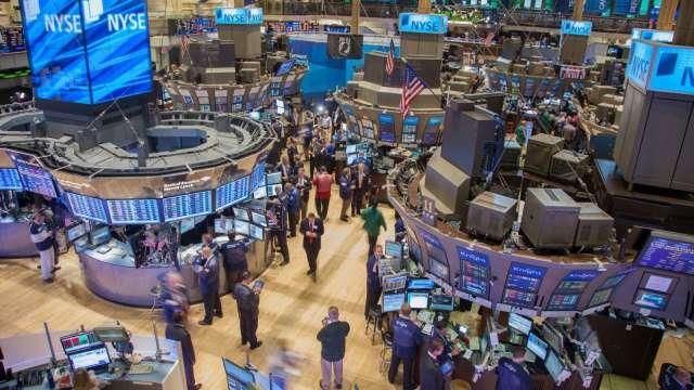 〈美股盤後〉蘋果強勢領軍 那指刷歷史新高 (圖片:AFP)