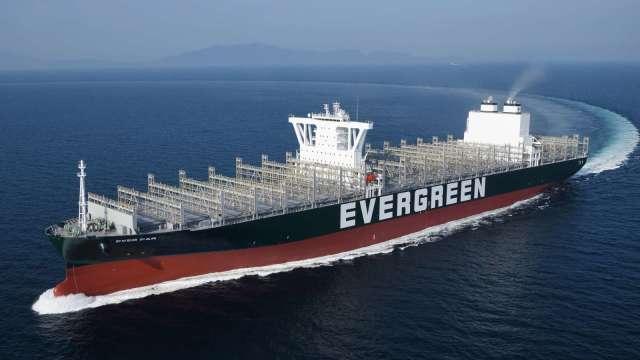 長榮今日新添兩艘 12000TEU 級 F 型貨櫃輪。(圖:長榮提供)