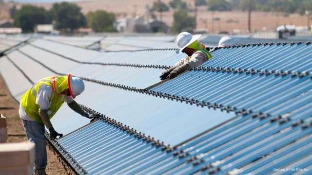 太陽能類股本周漲勢亮麗 (圖:AFP)