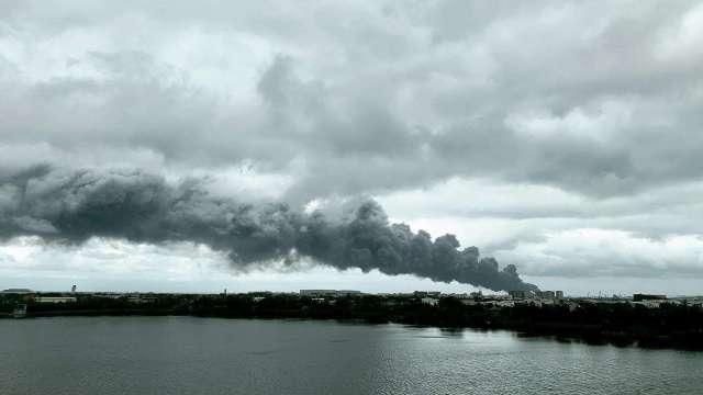 旭富桃園廠今日發生火警。(圖:讀者提供)