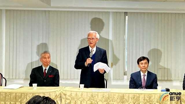 由左至右為三圓建設董事長王光祥、大同新任董事長盧明光、新任總經理鍾依文。(鉅亨網記者劉韋廷攝)