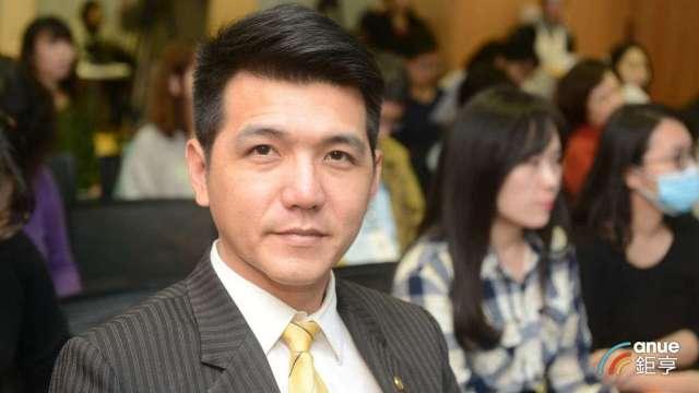 永慶房屋業管部協理謝志傑。(鉅亨網記者張欽發攝)