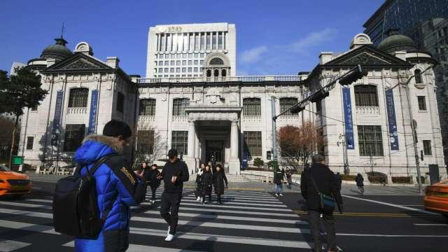 南韓央行:明年維持寬鬆貨幣政策 關注可能的副作用(圖:AFP)