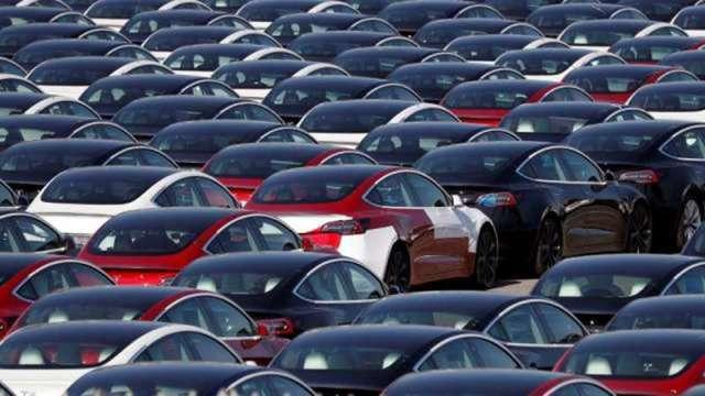 車用晶片大缺貨 IHS Markit:恐明年下半年才能緩解(圖:AFP)
