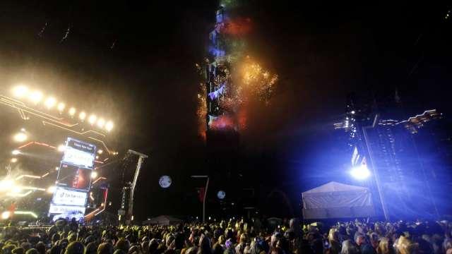 新北八里煙火延期 北市跨年活動照常舉辦。(圖:AFP)