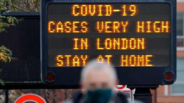 變種病毒肆虐英國 單日確診暴增上萬人 (圖片:AFP)