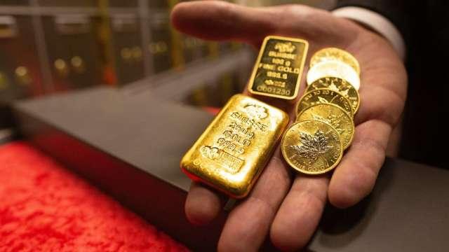美元急跌助攻 黃金連二漲 逼近1900美元 (圖:AFP)