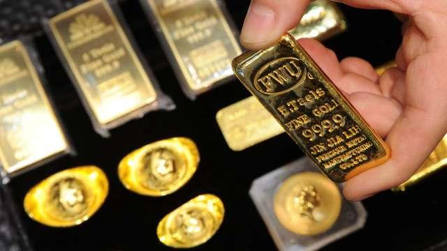 新年開盤市場齊揚 黃金強升突破1930美元(圖:AFP)