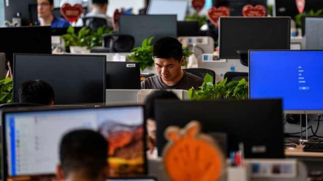 調查:看好Q1景氣內外皆溫 85%企業有徵才計畫。(圖:AFP)
