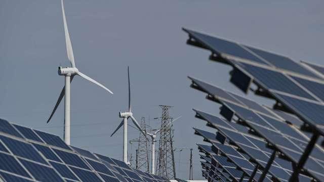 綠能巨頭市值紛紛狂飆 能源版圖劇變。(圖:AFP)