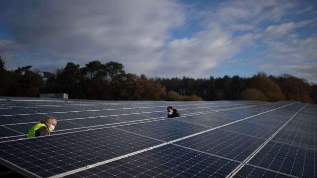 太陽能好光景一波接一波 H股相關族群樂翻天(圖片:AFP)