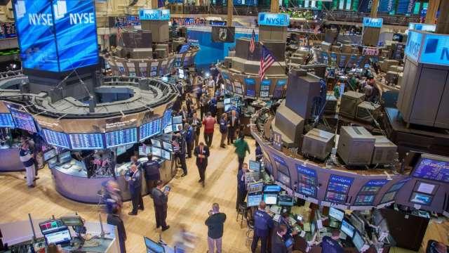 〈美股盤後〉國會認證拜登勝選 那指首度突破13000點大關。(圖片:AFP)